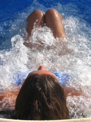 Whirlsystem Massage, Whirlpools mit Wasserdüsen zur Rückenmassage und mehr
