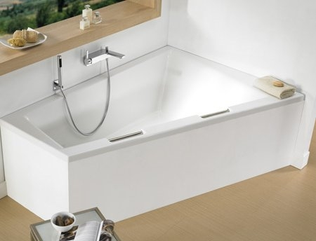 raumspar badewanne dover 180 x 130 x 52 cm links rechts acryl 130 x 180 gro e trapez. Black Bedroom Furniture Sets. Home Design Ideas